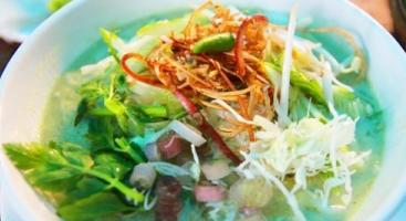 Nom banh chok - Khmer noodles