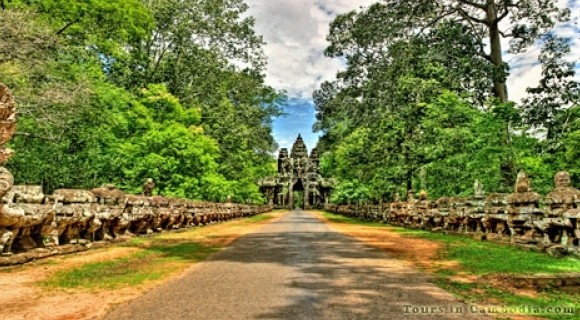 South Gate of Angkor Thom in Siem Reap
