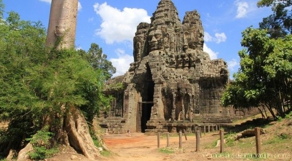 South Gate of Angkor Thom Temple in Siem Reap