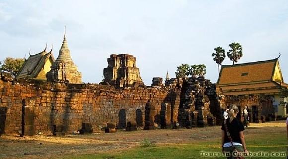 Wat Nokor Temple in Kampong Cham