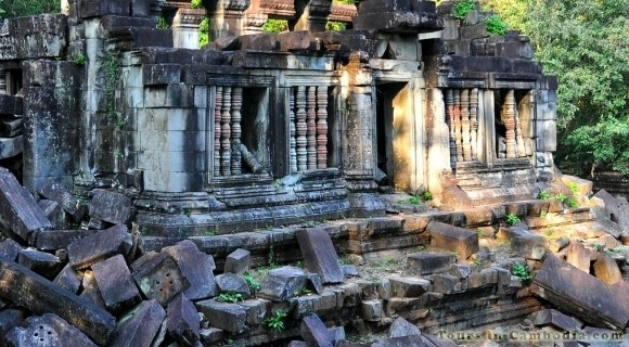 Boeng Mealea Temple in Siem Reap