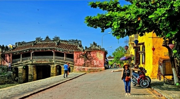 Pagoda Bridge in Hoi An