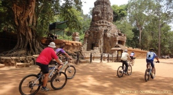 Cycling in Kampong Thom