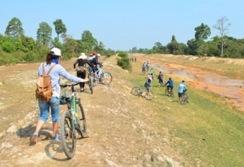 Biking from Phnom Penh to Angkor via Battambang Tour